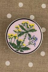 Sajou Cross Stitch Kit - Dyer's Madder - Box to Embroider