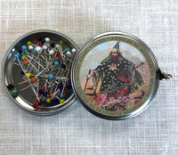 Metal Tins with 60 Murino Glass Head Pins