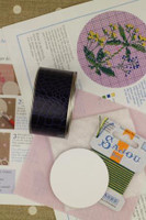 Sajou Cross Stitch Kit - Dyer's Madder - Box to Embroider