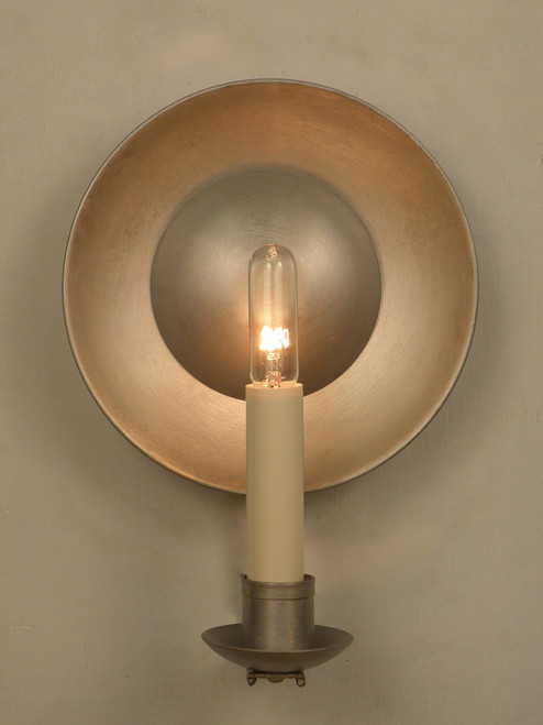Colonial Williamsburg Reflective Sconce