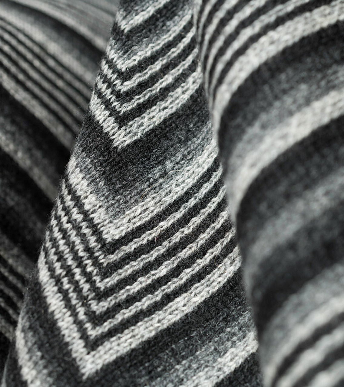 Jacquard Knit Black & Grey Throw