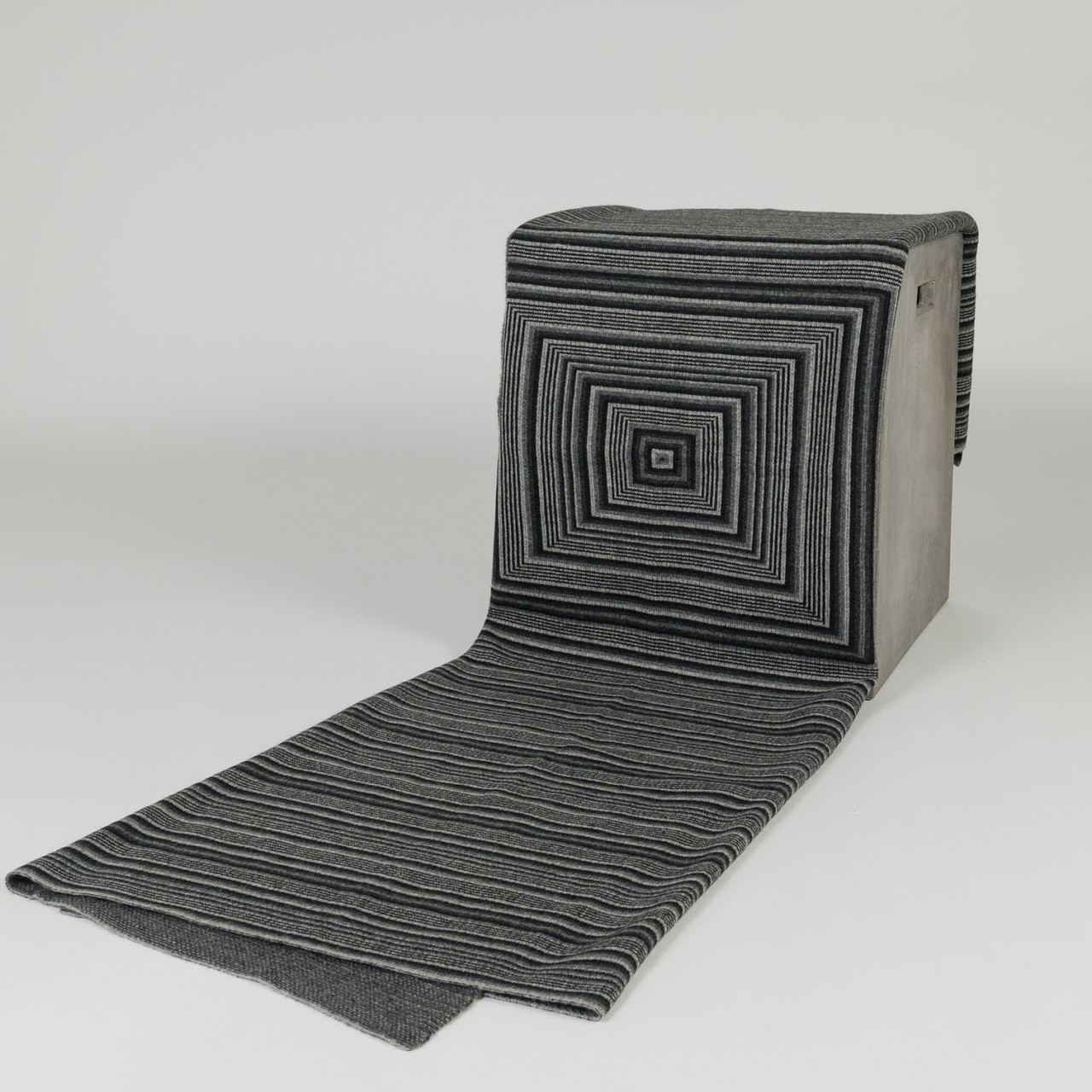 Jacquard Knit Black & Grey Throw