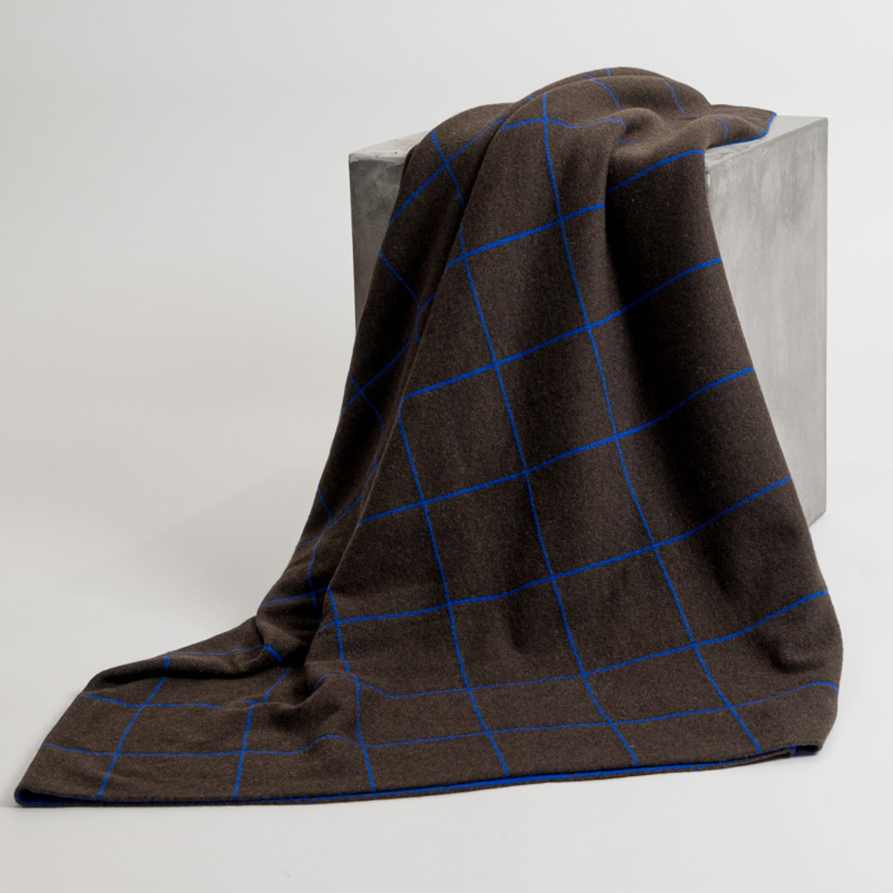 Tartan Royal Blue Knit Throw