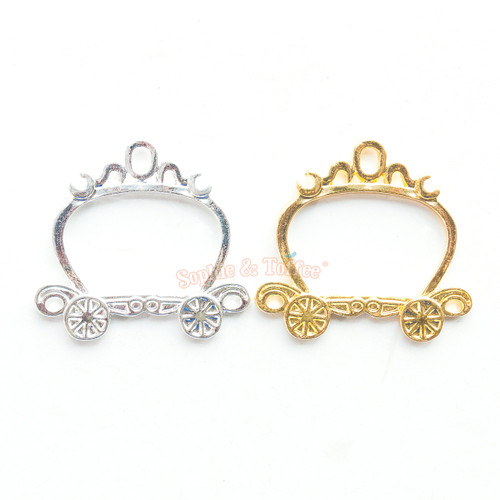 Princess Carriage Open Bezel Charm (4 pieces)