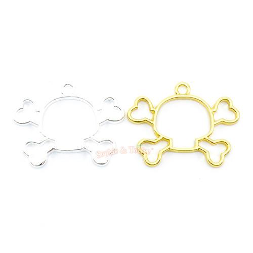 Skull Head Crossbones Open Bezel Charm (5 pieces)