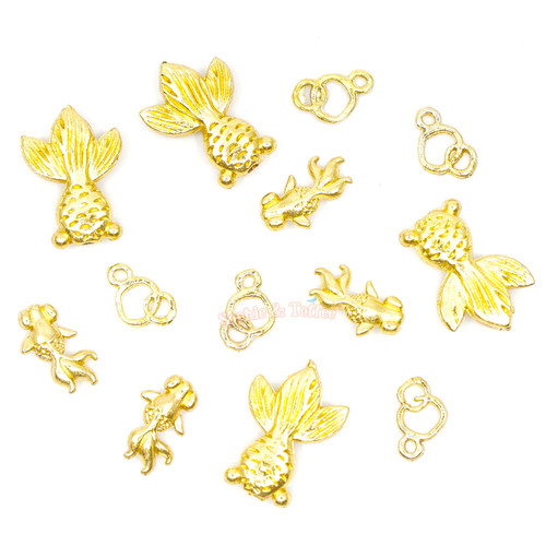 Goldfish with Bubbles Metal Charm Inclusions (15 pieces)
