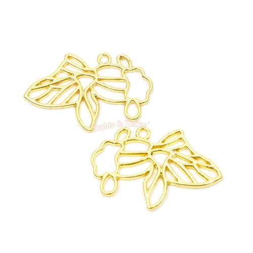 Goldfish Open Bezel Charms (4 pieces)
