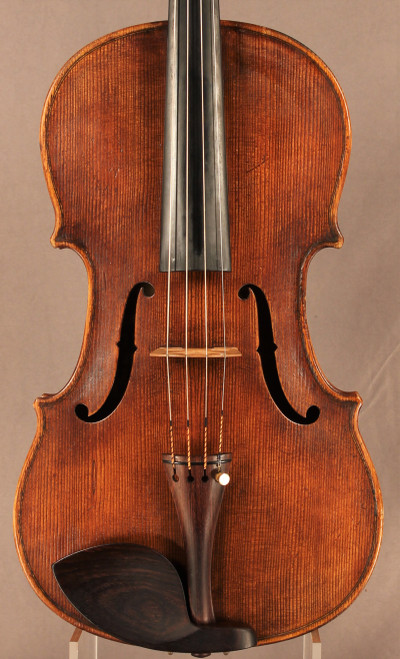 The choice of material on this instrument is fantastic and very appropriate for it's style.
