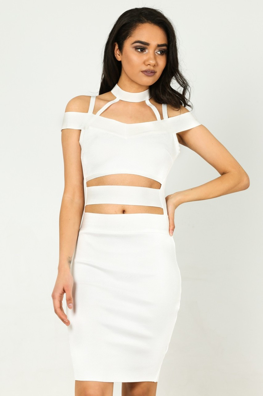WOW Couture Glora Off The Shoulder Choker Neck Bandage Dress ... 0881165cc612