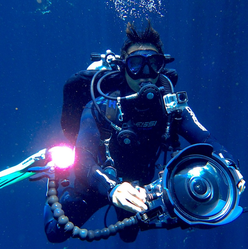 Mounting Lights When Filming Underwater Sequences