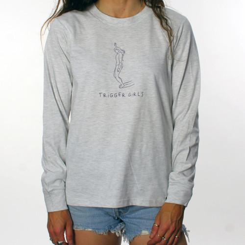 Trigger Girls Indi Surf Long Sleeve Tee Ladies in Ash Heather