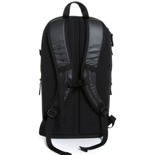 FCS Stash 25L Backpack in Black