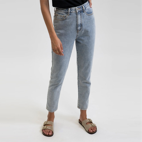 Rhythm Classic Hi-Rise Tapered Jean Womens in Light Wash