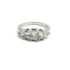 14K White Gold 5 Stone Diamond Ring