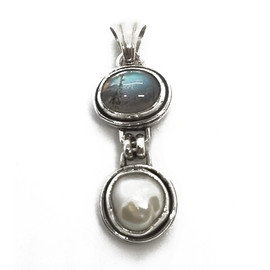 Sterling Silver Labradorite and Pearl Pendant