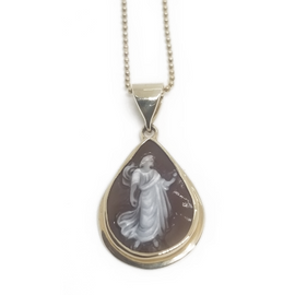 14KY Cameo and Chain