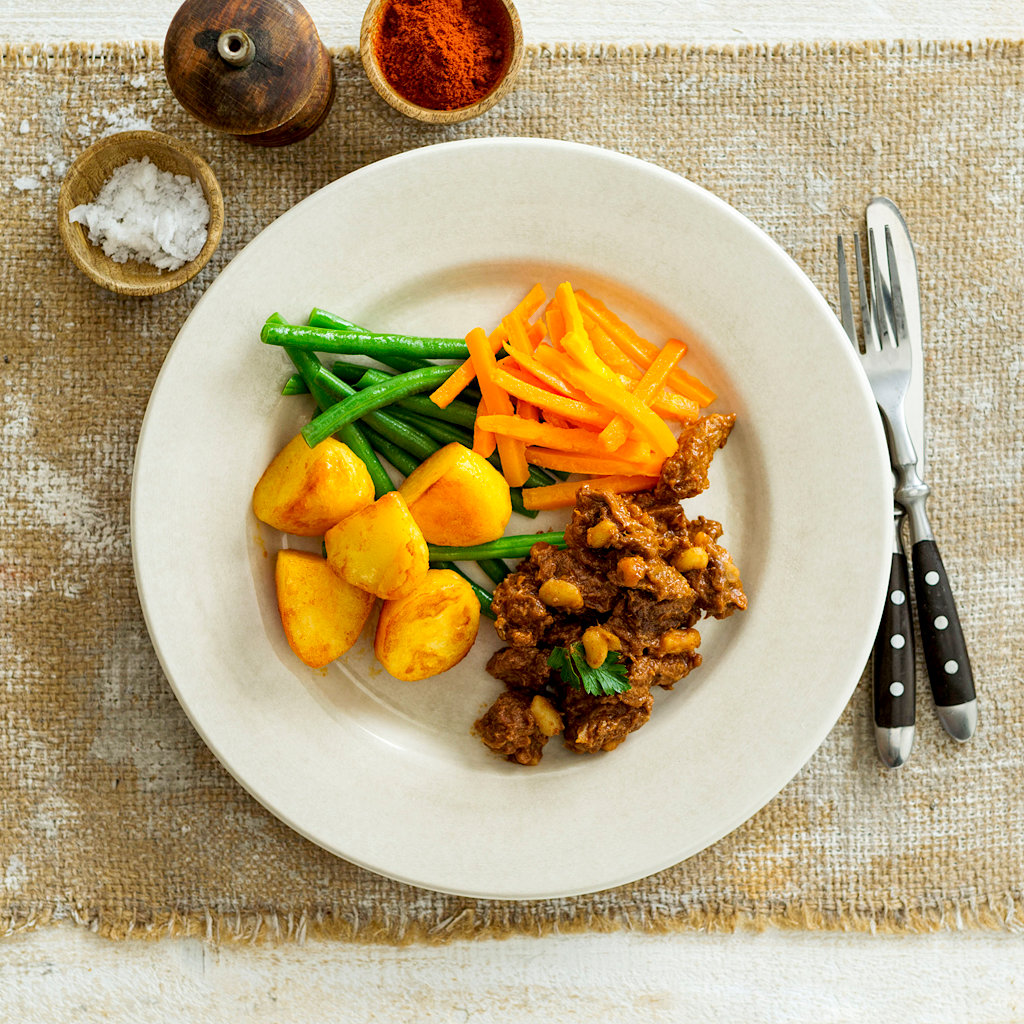 Hickory BQQ Beef With Potatoes, Carrots And Green Beans High Angle