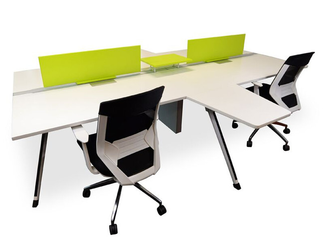 Designer 4 Pod Office Workstation with Return Desk
