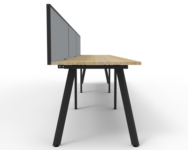 Fluid 3 Person Single Sided Workstation With Screen