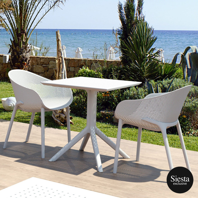 3 Piece Setting with Sky Chair