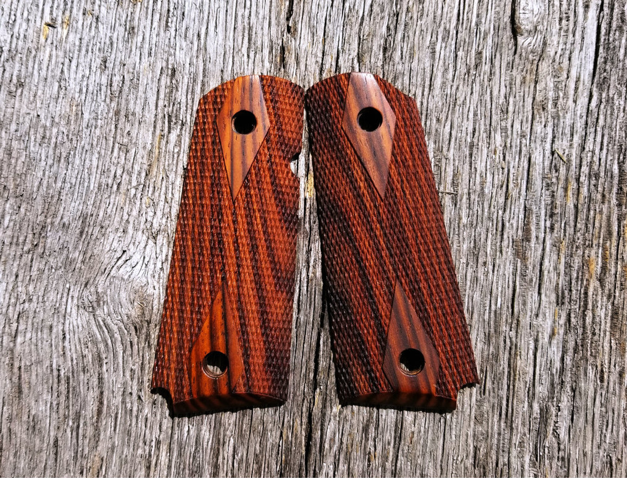 Hogue Grips 1911 Officer Checkered Cocobolo