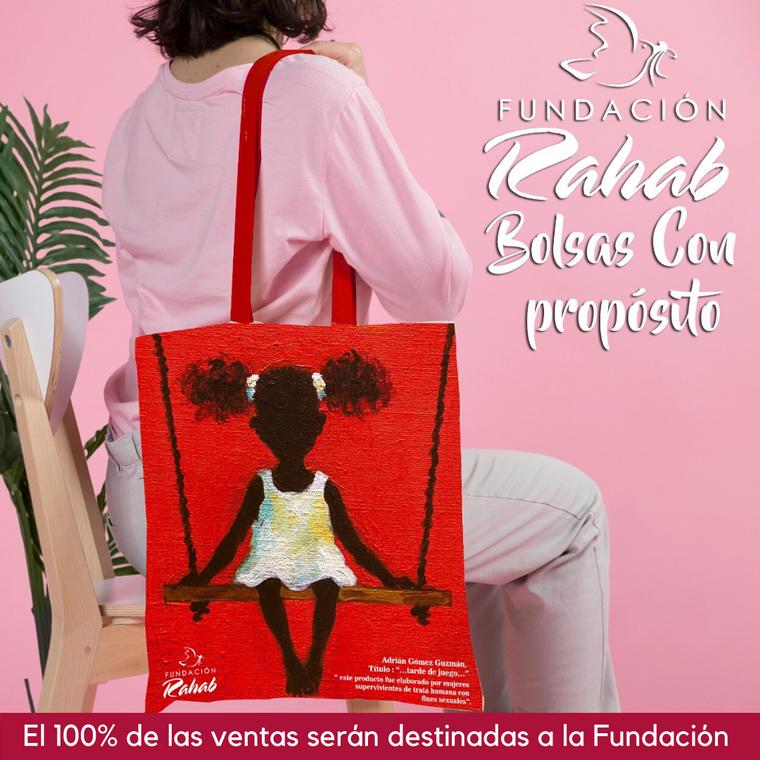 Bolsas de tela con estampado de obras de artistas nacionales