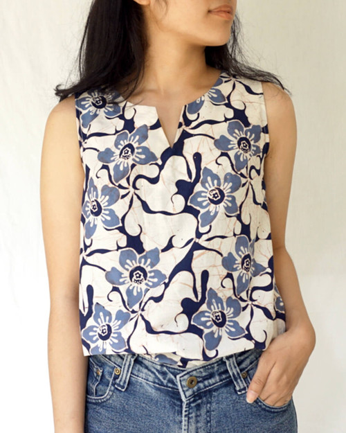 No-Sleeve Blouse - Floating Hibiscus on White