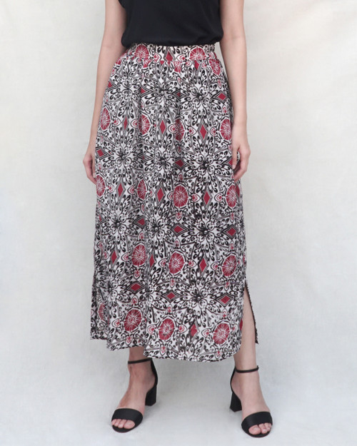 Gather Skirt (Long) - Kawung Blossom in Red
