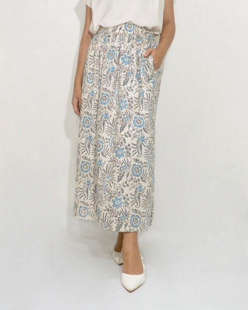 Gather Skirt with Linings - Blue Flower on Broken White