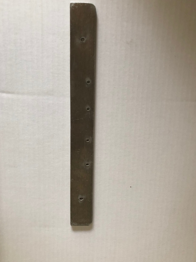 Replacement mounting bar for Heavy Duty Dog Door