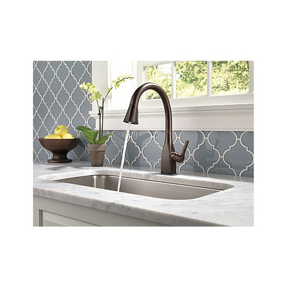 Delta -  MATEO™ Single Handle Pull-Down Kitchen Faucet with Touch2O and ShieldSpray Technologies