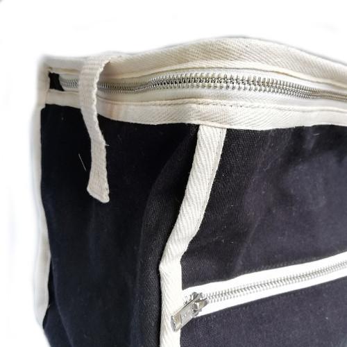 Black rectangular lunchbag side