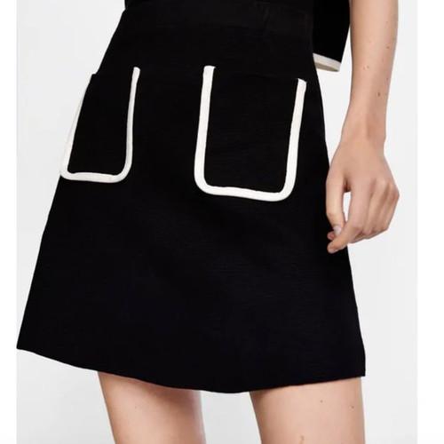 NWT ZARA Skirt with White Trimmed Pockets sz L