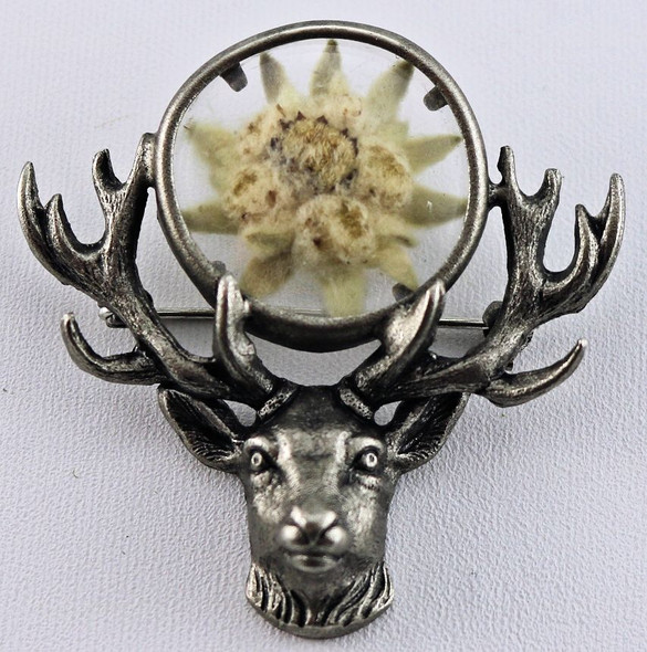 HP8485 Deer Head with Real Edelweiss Hat Pin