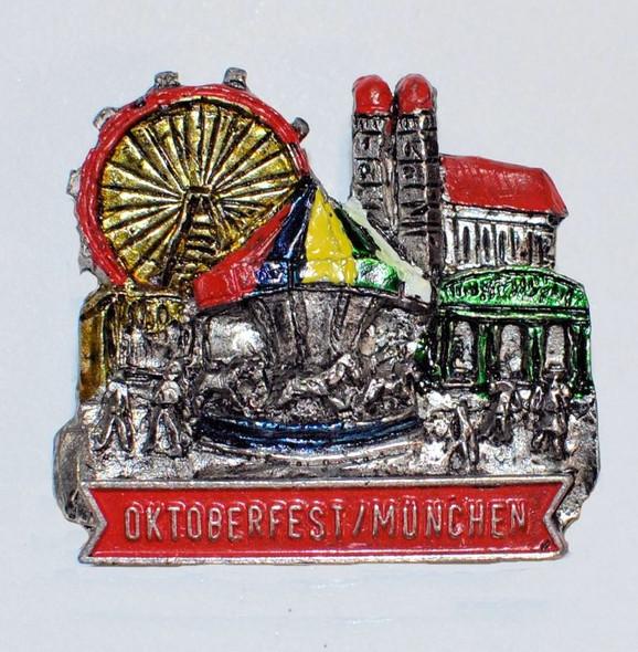 HP8817 Oktoberfest Scene hat pin MüNCHEN