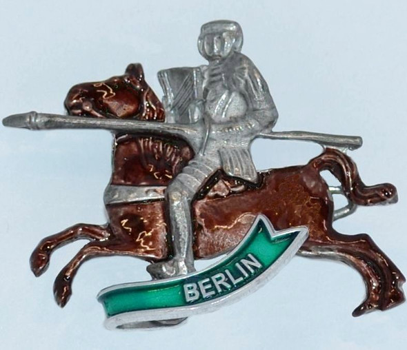 HP8707 Horse, Knight hat pin BERLIN