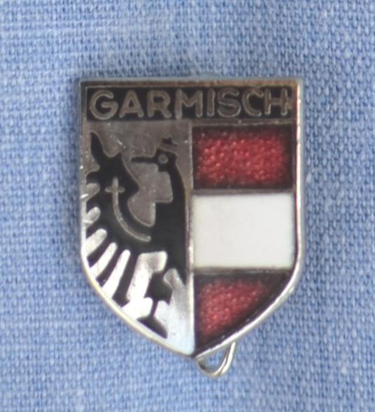 HP8540 GARMISCH Crest Hat Pin