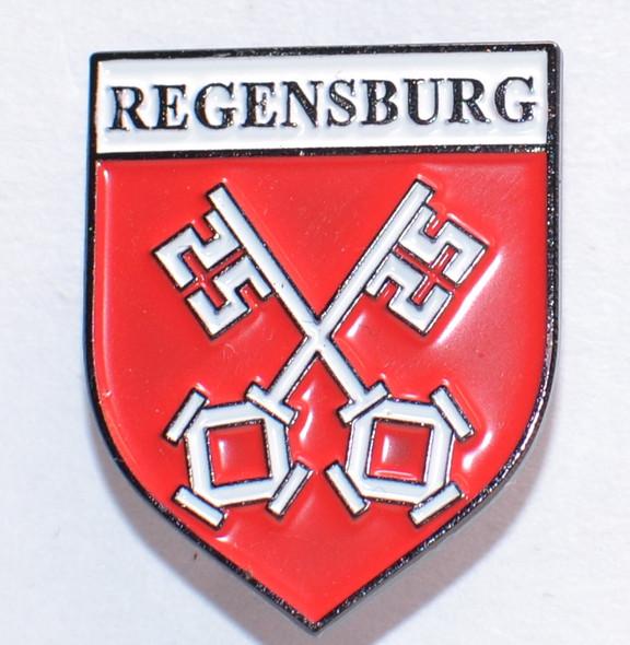 HP8522  Regensburg Crest Hat Pin