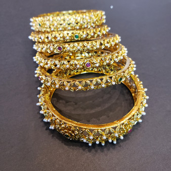 Rajawadi Bangle set (6)