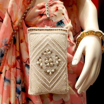Pearls Stone clip Purse