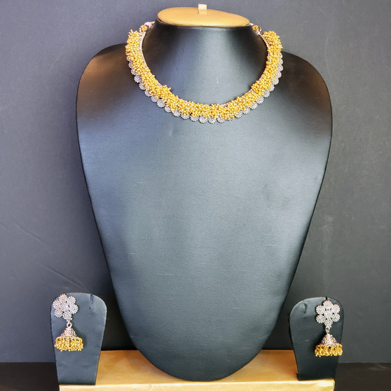Siver/Matt necklace.