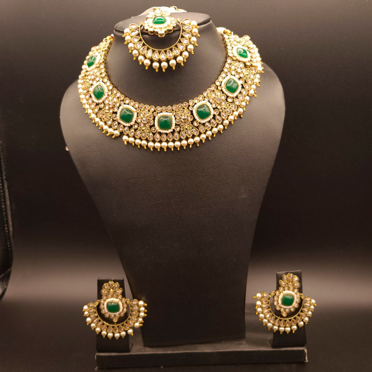 Round Emerald Necklace set