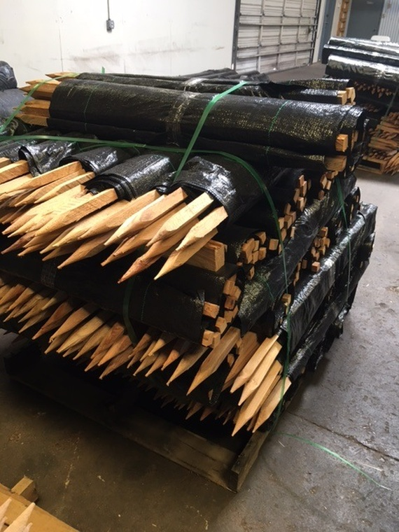 70g Commercial Silt Fence, Hardwood Stakes, 3' x 100' Roll