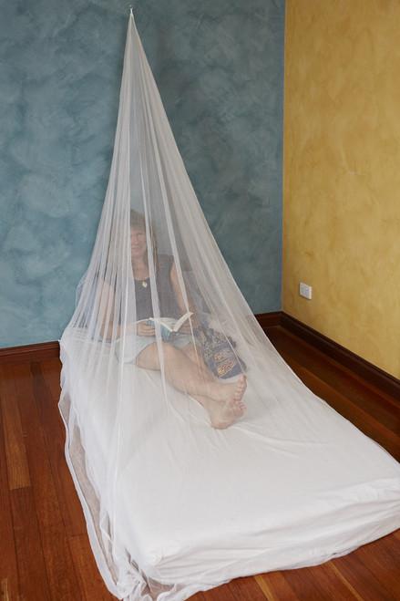 Travel Mosquito Net. Single. Pyramid. Treated