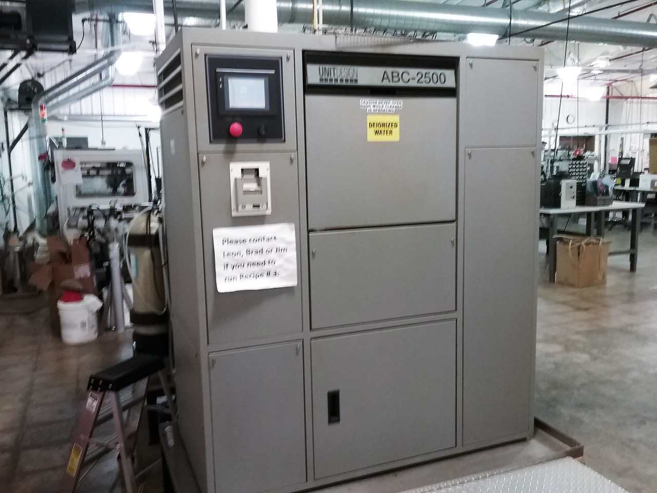 Unit Design ABC-2520 Batch Washer w/ DI System (191101)
