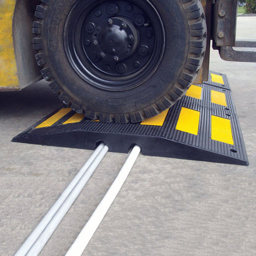 RS900HD cable and hose ramp