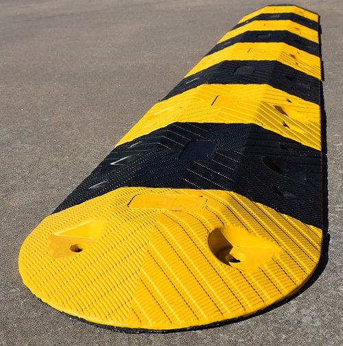 RS350AU flat top profile rubber speed hump