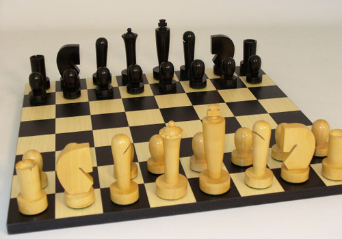 """Chess Set: 4"""" Black/Natural Berliner Knight on a 15"""" Black/Maple Board"""