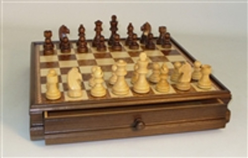 """Chess chest with pullout drawer and 3"""" men"""