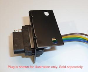 Bracket - Flat 5 Plug
